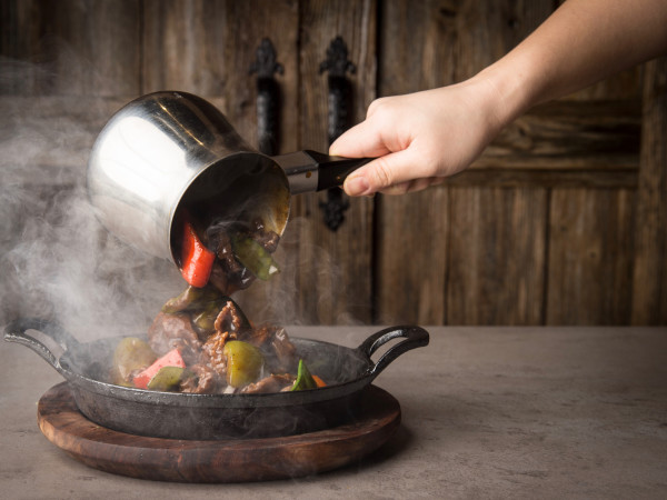 Phat Eatery sizzling beef with black pepper