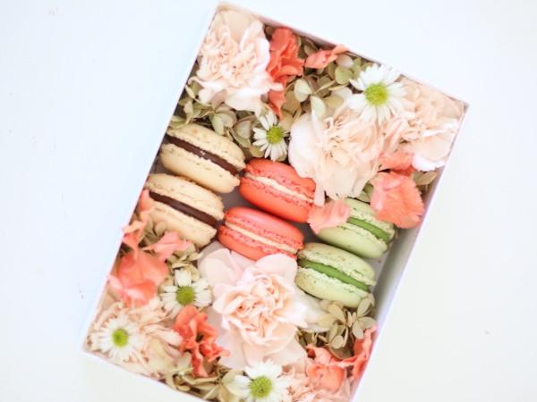 Bakery Lorraine's Mother's Day macaron flower box