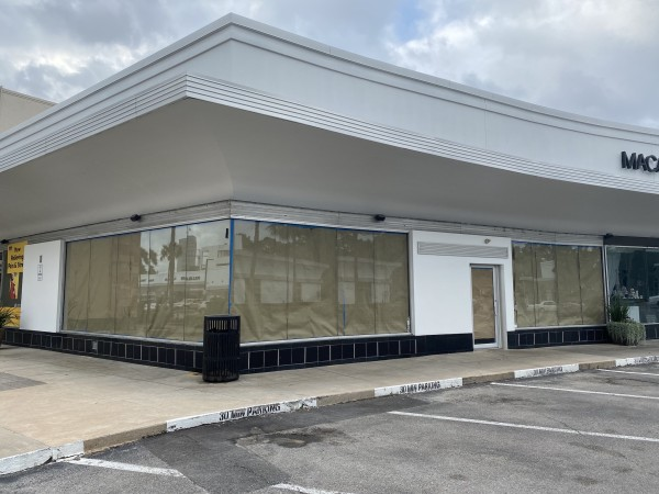 Starbucks 2029 W Gray closed