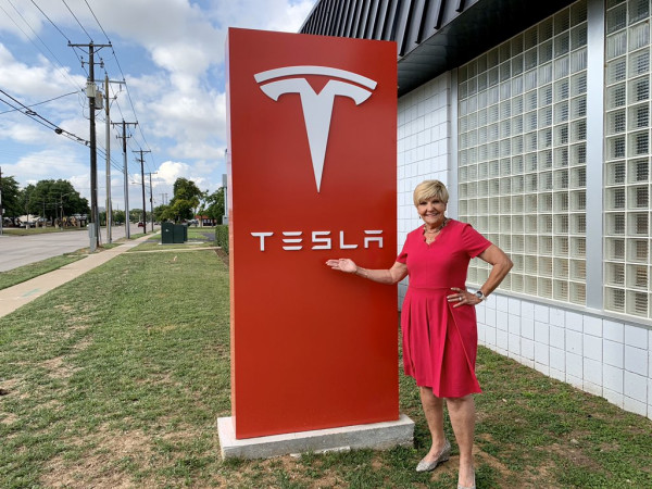 Fort Worth Mayor Betsy Price, Tesla