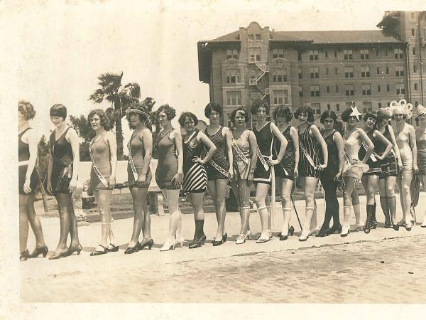 Galveston Beach Revue beauties swimsuits 1926