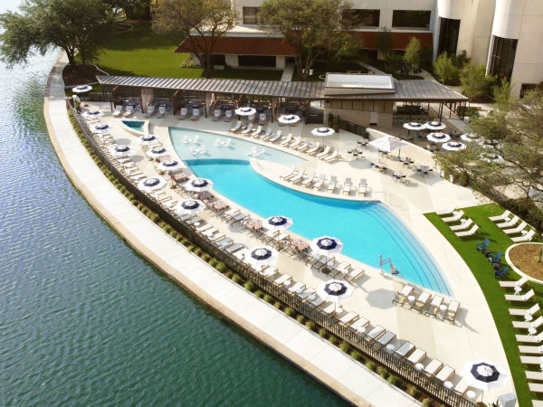 Omni Hotel at Las Colinas pool