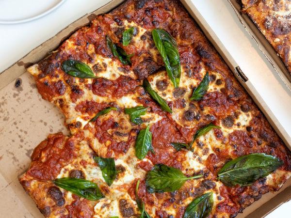 Pizza Leila Sloane's Corner