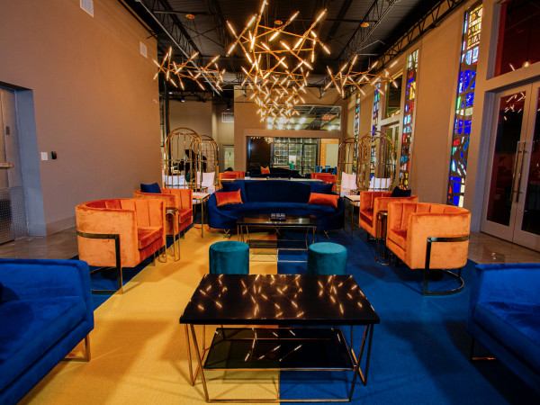 Vault & Vino lounge