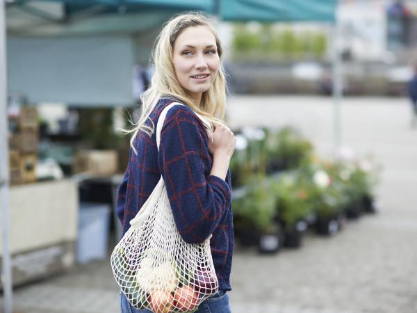farmers market woman shopping