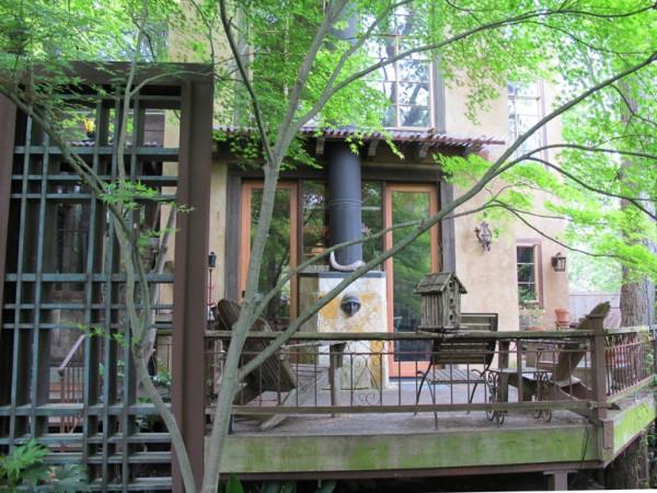 Dallas Airbnb treehouse