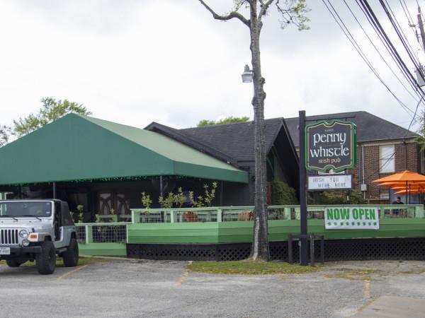 Penny Whistle Pub exterior