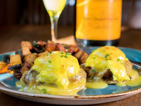 Crab Cakes Benedict, Easter brunch, Silver Fox