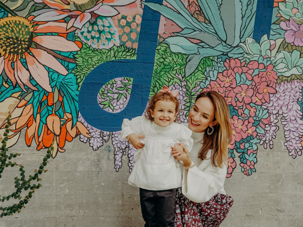 Mother and daughter at Music Lane mural