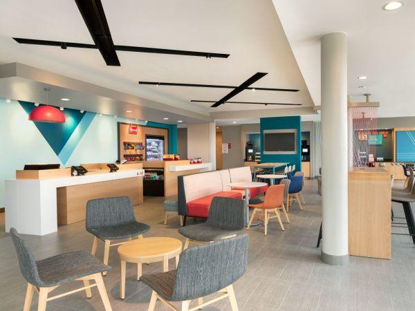 Avid Hotel lobby