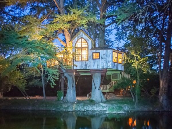 Chapelle Treehouse Utopia