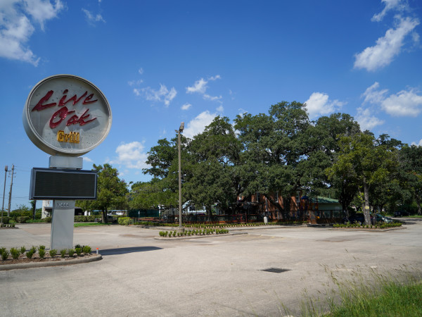 Live Oak Grill exterior Night Moves Hospitality