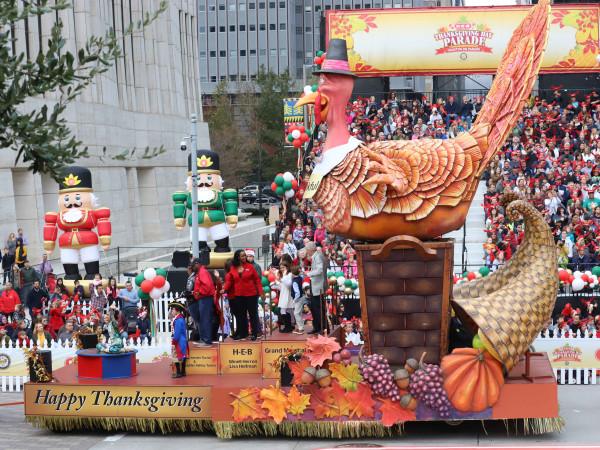 H-E-B Thanksgiving Parade Houston downtown