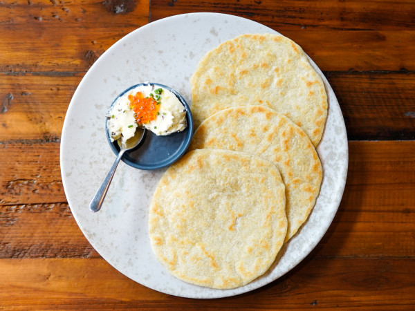 Chivos flour tortilla with butter and salmon roe
