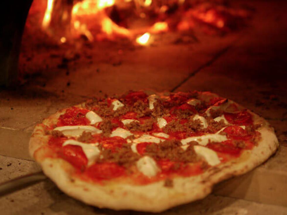 Five Creeks Tavern pizza