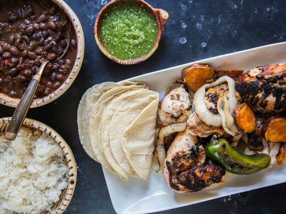 Fresa's Chicken al Carbon tacos