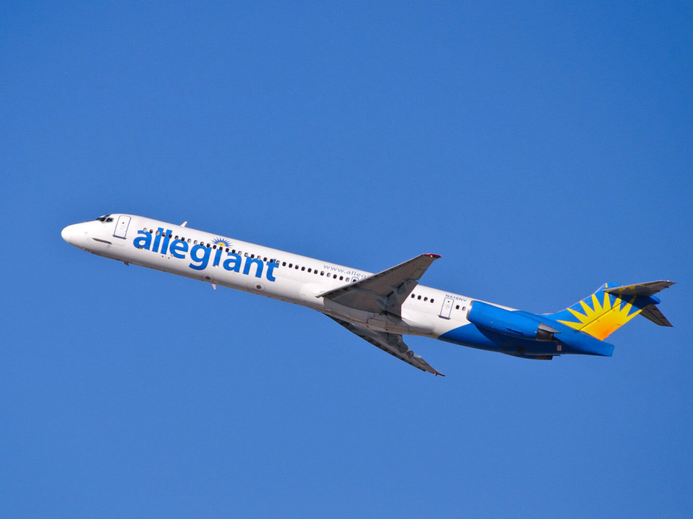 Allegiant air airplane