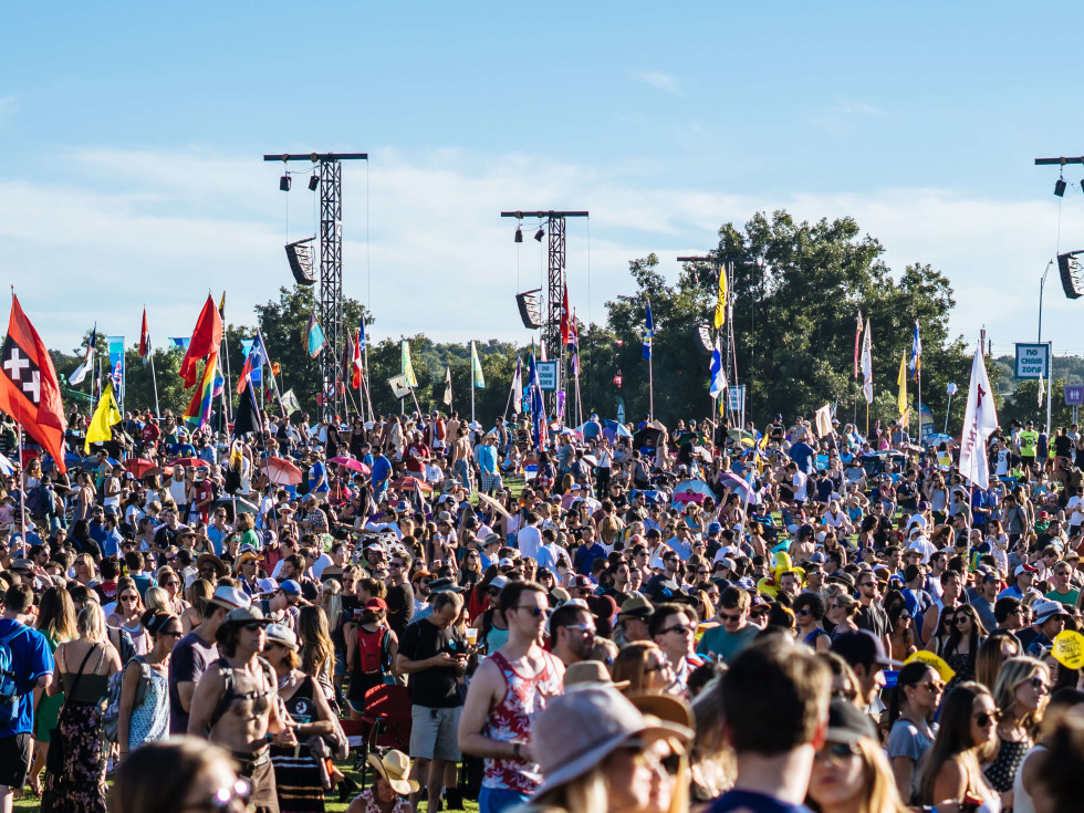 ACL Austin City Limits Music Festival 2016 flags crowd