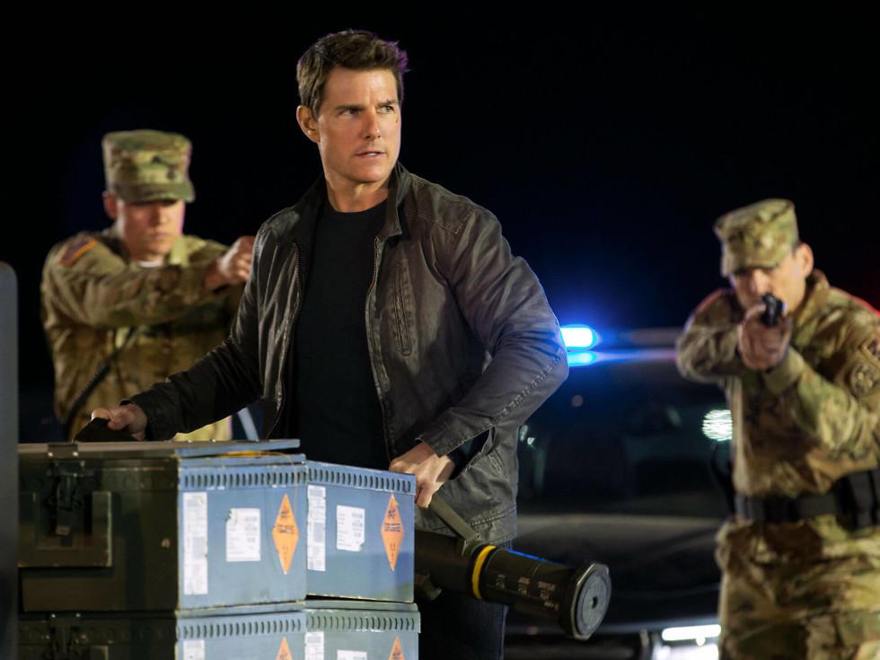 Tom Cruise in Jack Reacher: Never Go Back