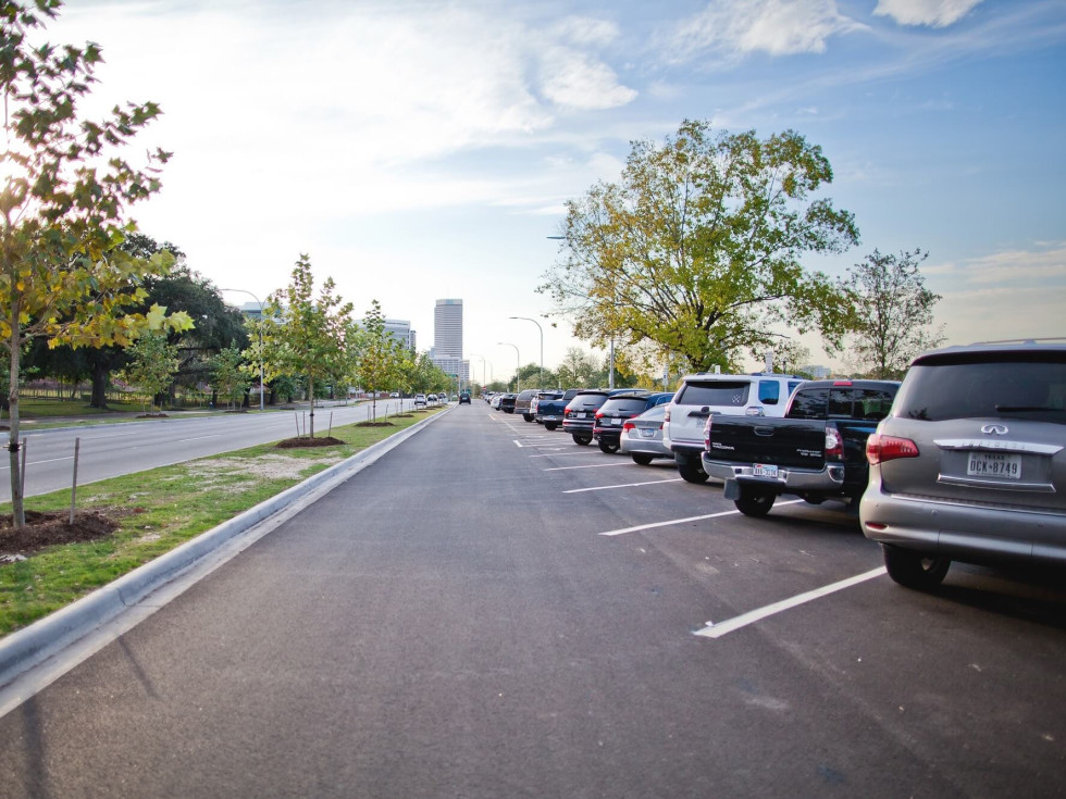 Allen Parkway improvements parking spaces