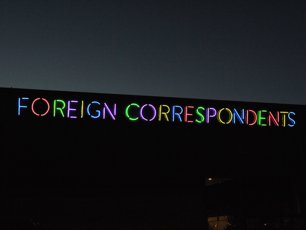 Foreign Correspondents sign