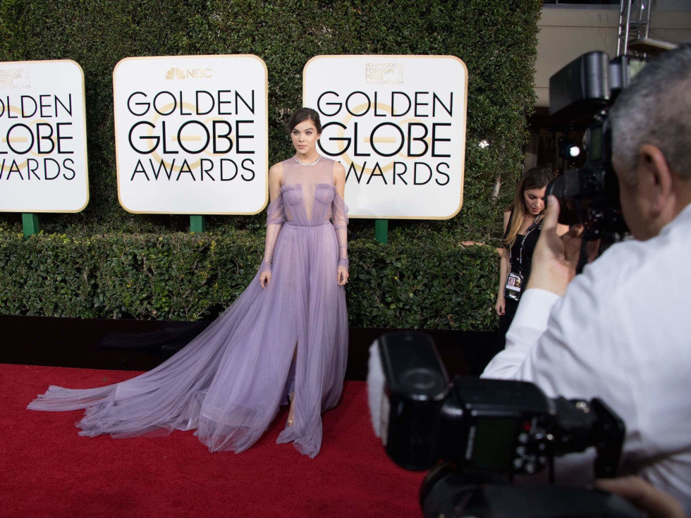 Halee Steinfeld at Golden Globes 2017