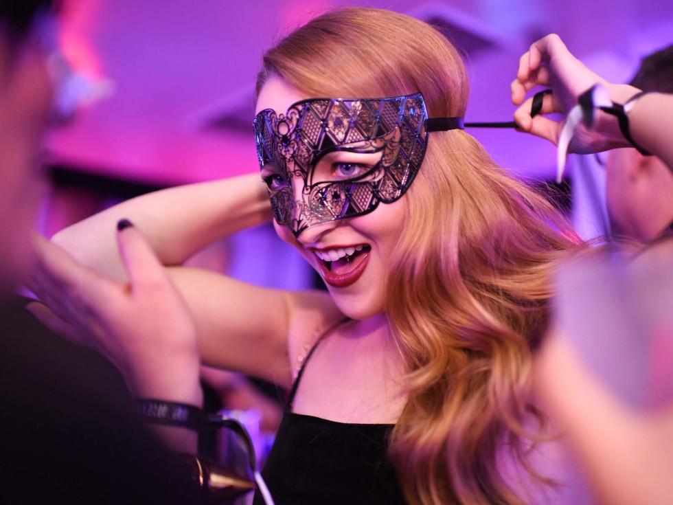 Heart of Fashion Masquerade Ball Bay Berger