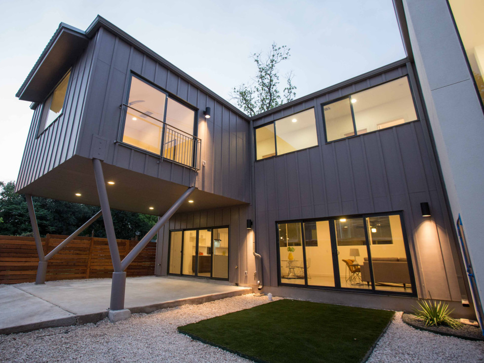 Austin Modern Home Tour 2017 1606 Salina St East Austin house Newcastle Homes