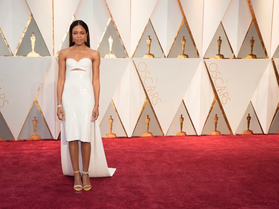 Naomi Harris in Calvin Klein at Oscars 2017