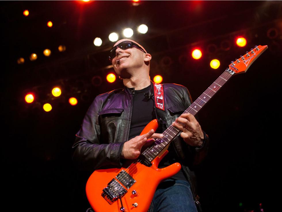Austin Photo Set: News_Kevin_Fire Relief Concert_Review_Oct 2011_Joe Satriani