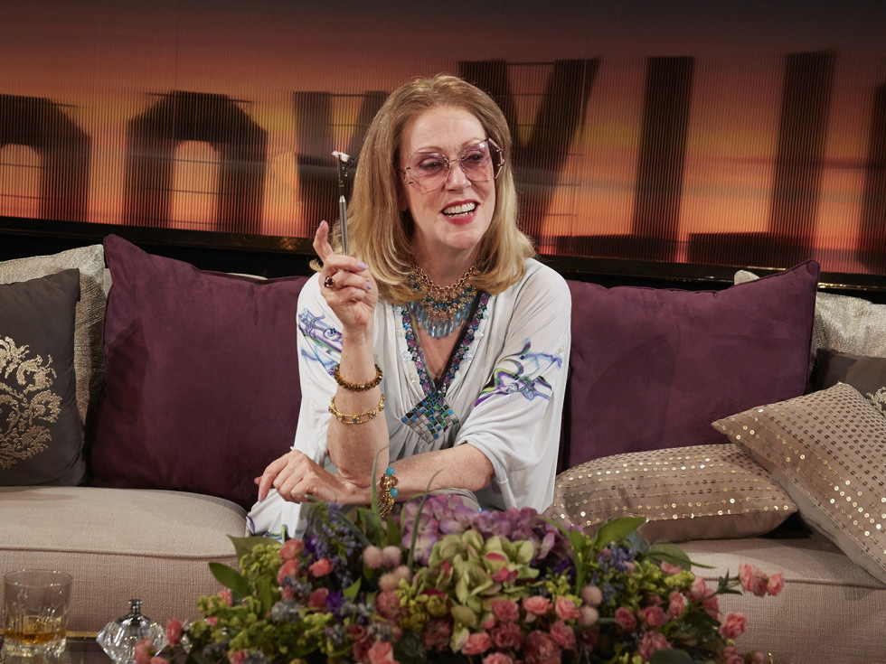 Karen Murphy as Sue Mengers