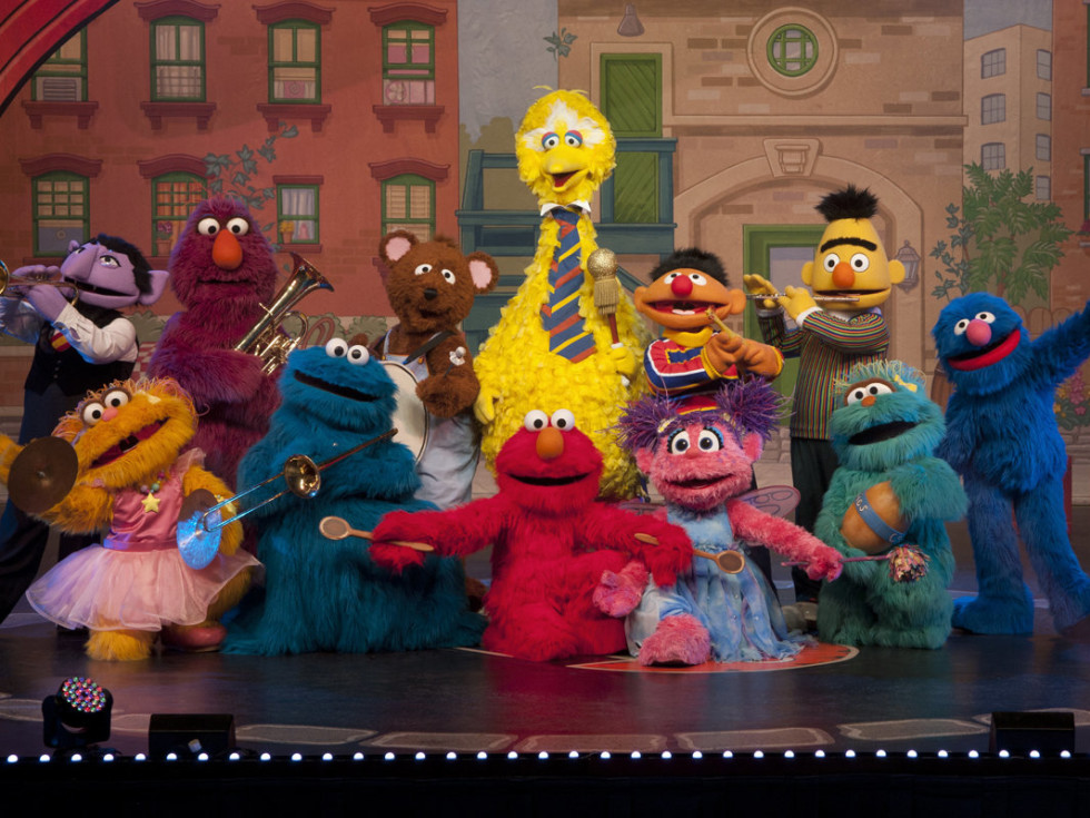 characters from Sesame Street Live Make a New Friend