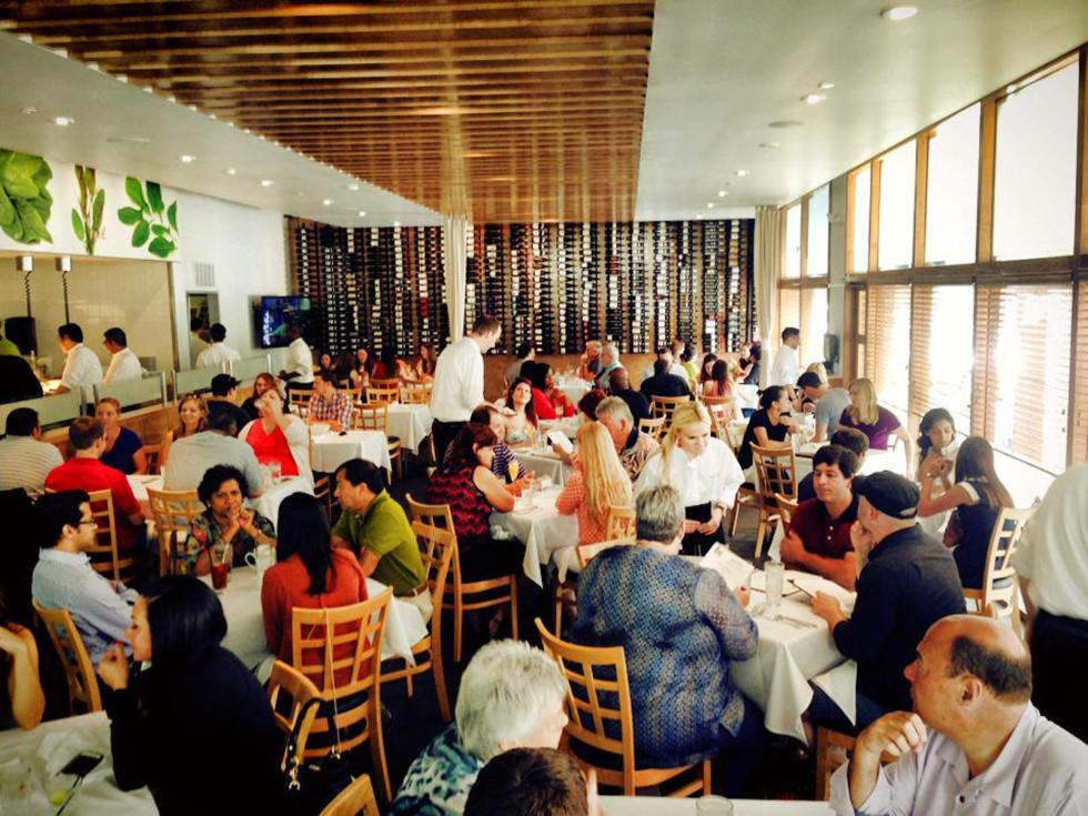 Sorrel Urban Bistro dining room crowd