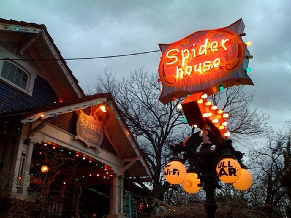 Austin Photo: Places_food_spider house exterior