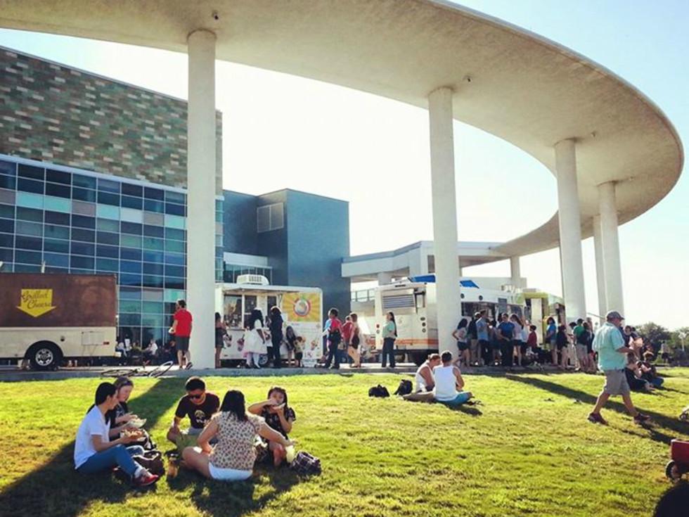Long Center_terrace_Trailer Food Tuesdays_food truck