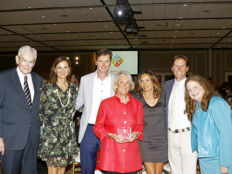 – Partners for Children Award recipients:  John Bitzer, Leslie Needleman, Jason Needleman, Mary Ella Bitzer, Meredith Needleman, Josh Needleman and Paige McDaniel, president and CEO, Community Partners of Dallas