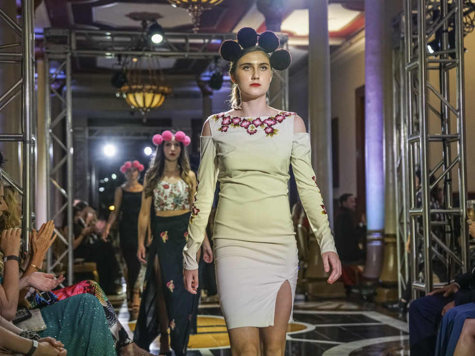 Fashion X Austin Moda X Mexico Fashion Show Amor & Rosas