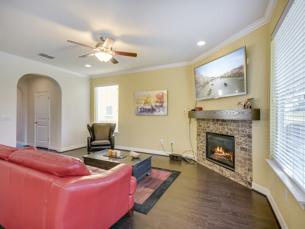 12312 Terraza Austin townhouse for sale living room