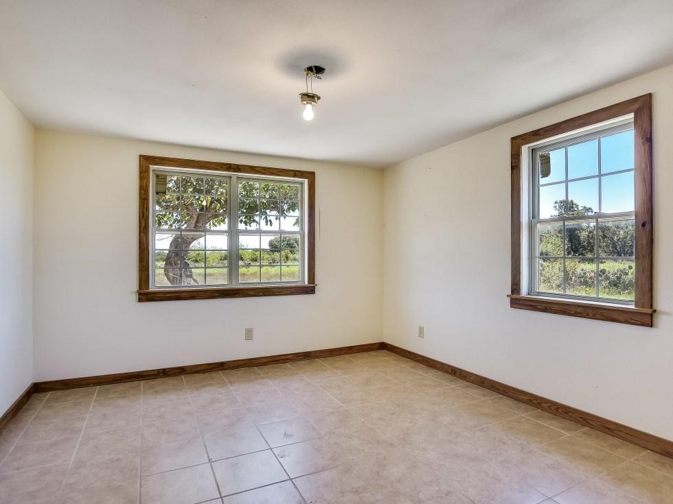 201 Greystone Ranch Bertram house for sale bedroom