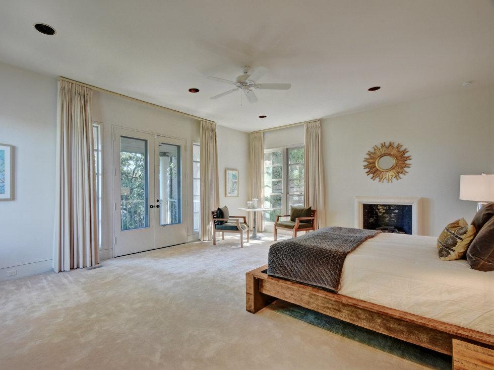 2518 El Greco Cove Austin house for sale master bedroom