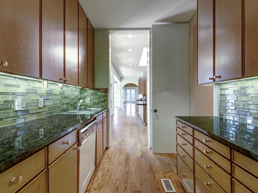2518 El Greco Cove Austin house for sale kitchen