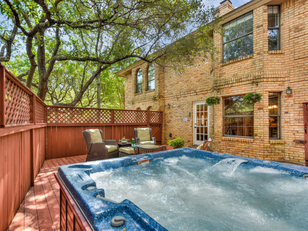 4407 Canyonside Austin home for sale pool