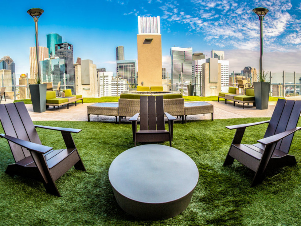 SkyHouse Houston patio