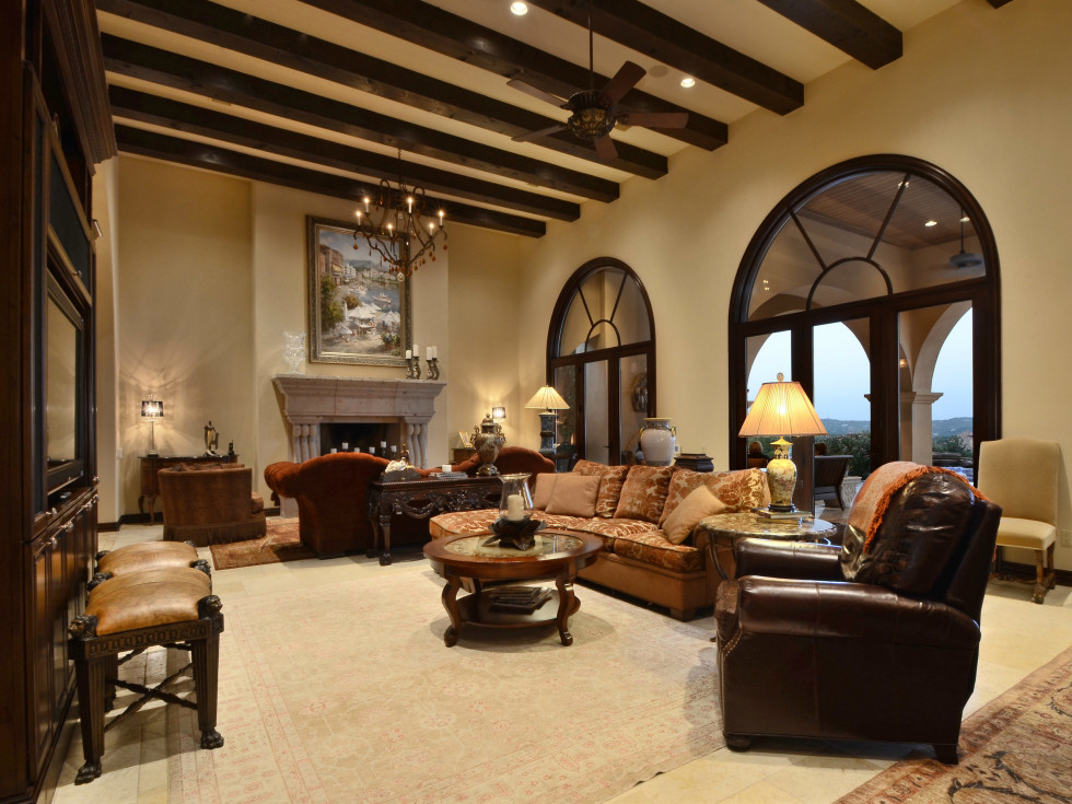 7900 Escala Austin house for sale living room