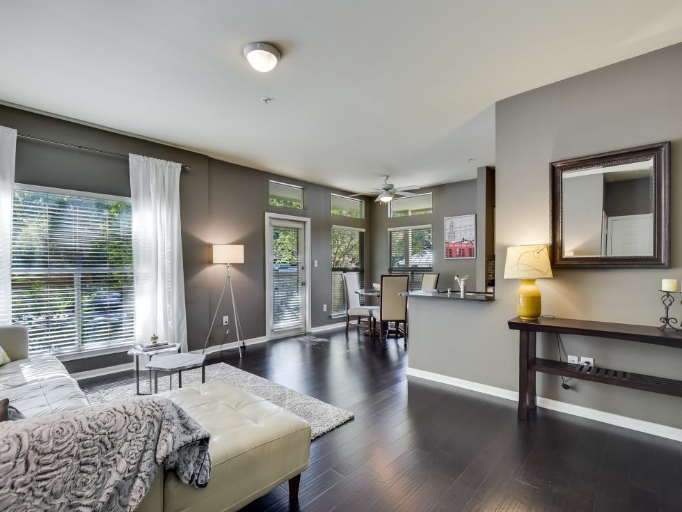 2209 Hancock Austin condo for sale living room