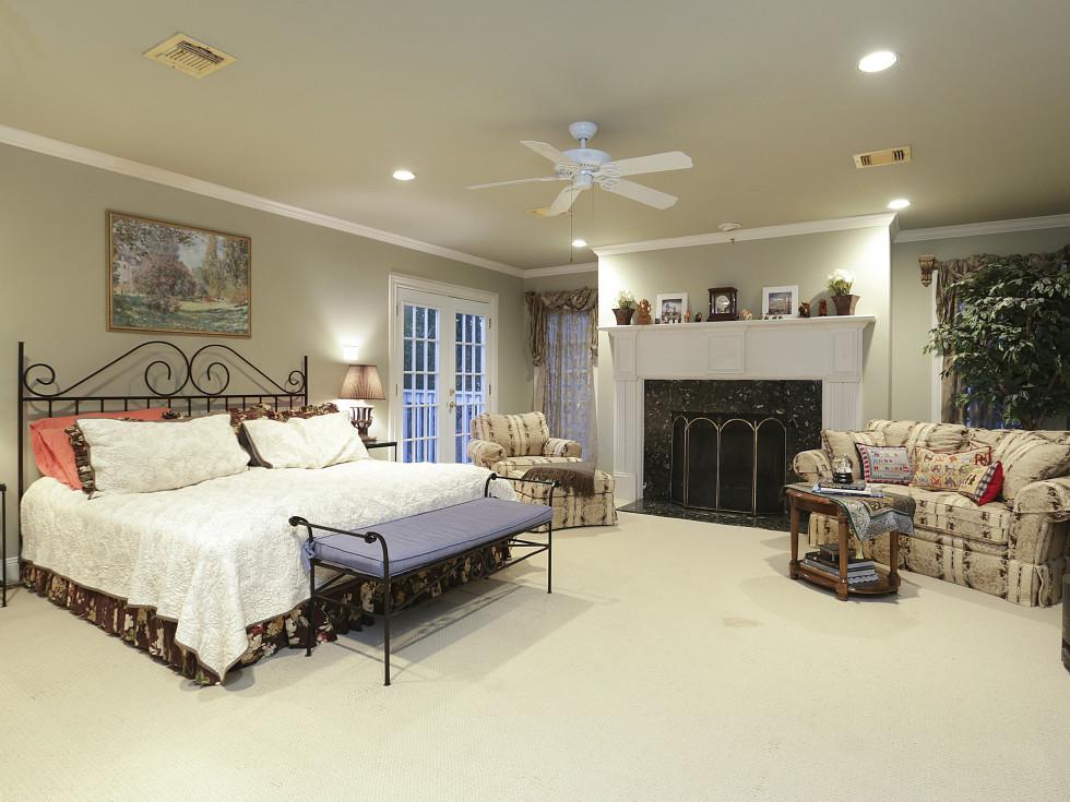 2424 Locke Lane in Houston house for sale master bedroom