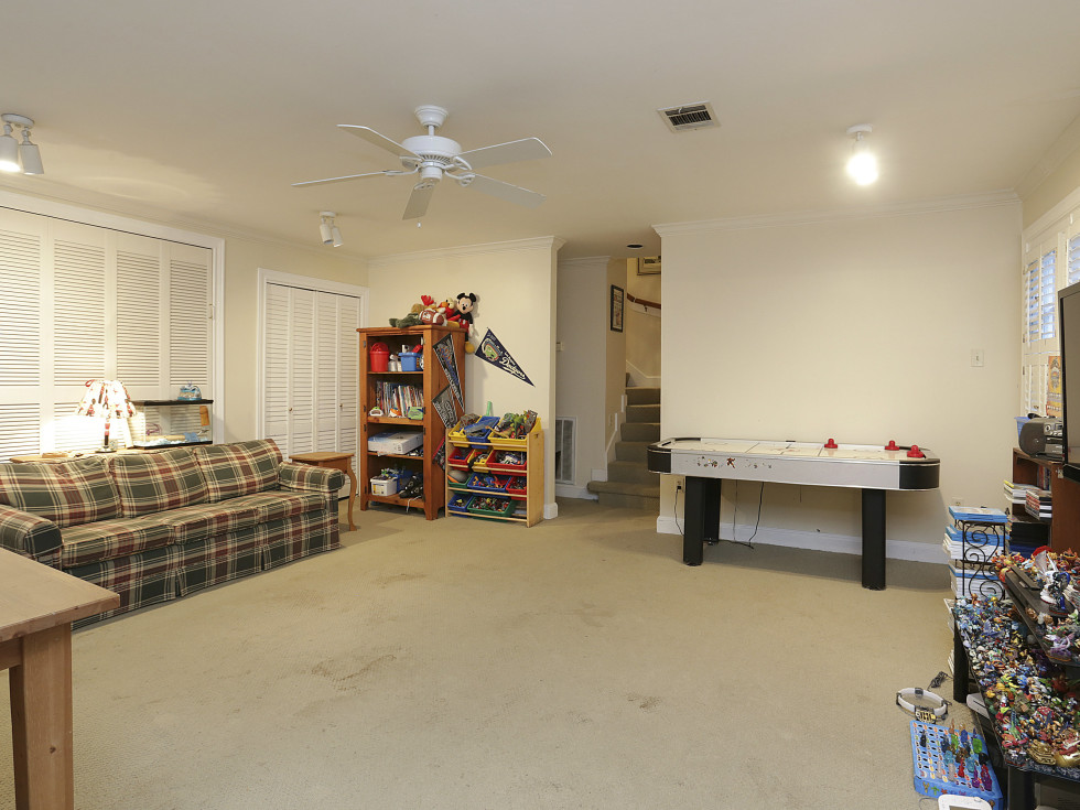 2424 Locke Lane in Houston house for sale playroom
