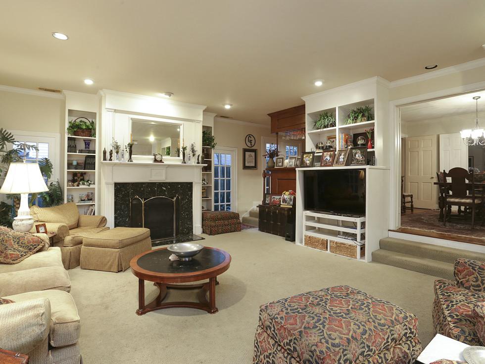 2424 Locke Lane in Houston house for sale family room