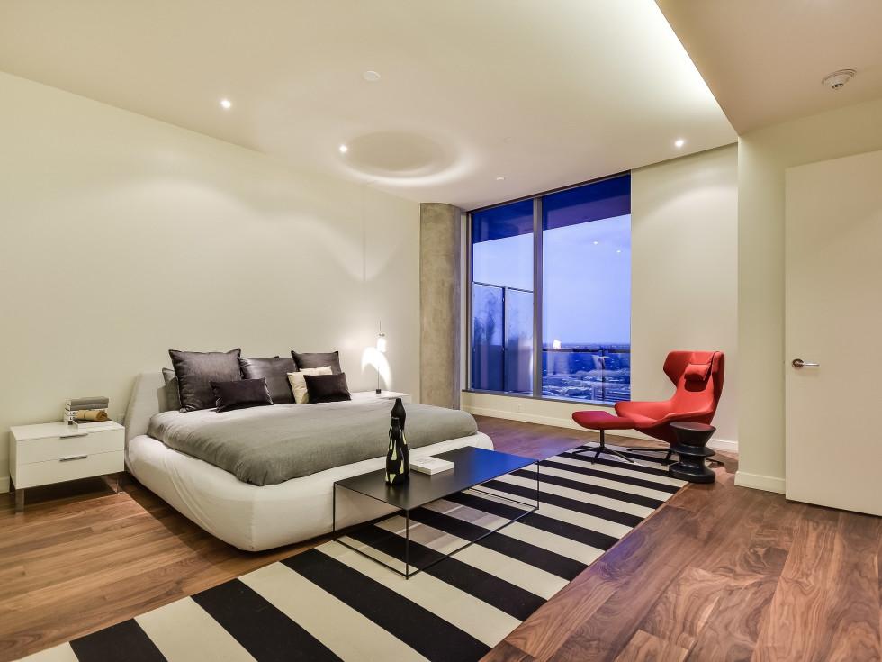 210 Lavaca Austin condo for sale bedroom