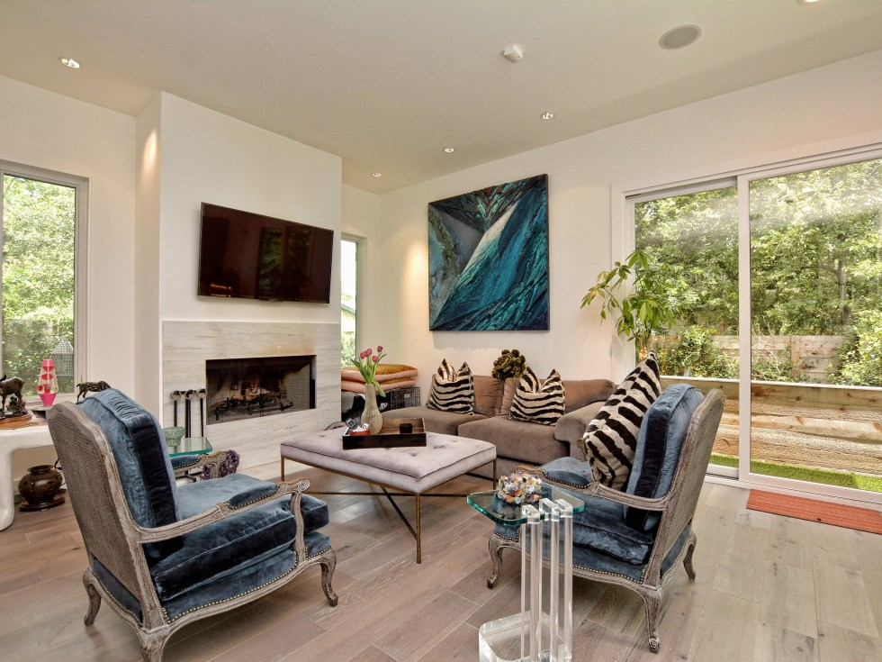 2012A Rabb Glen Austin house for sale living room